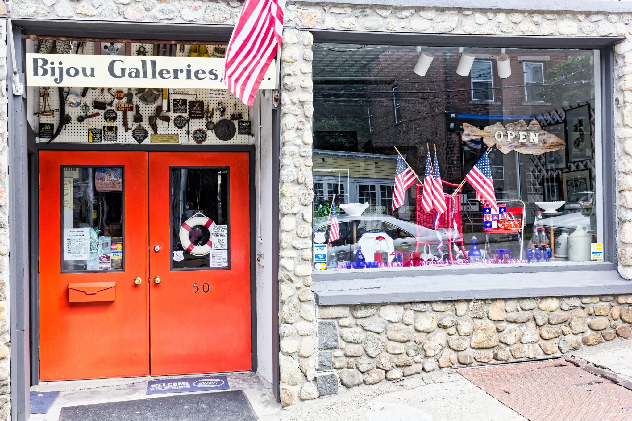 bijou galleries front door